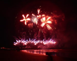 Christchurch Pier fireworks 2017 Star Wars - starshell petals